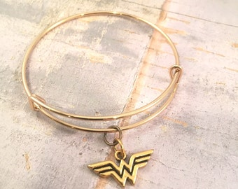 Wonder Woman bracelet, charm bracelet, Wonder Woman gold bracelet, adjustable bangle bracelet, supermom gift, for mother, super mom
