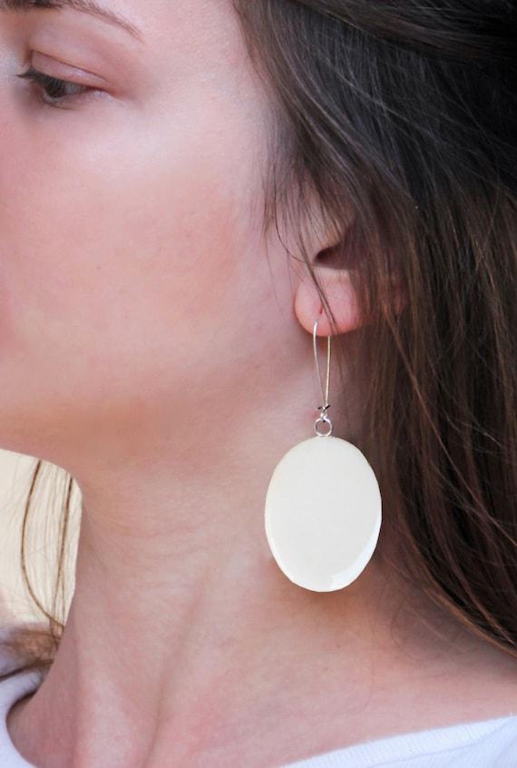 White earrings, white resin earrings, statement earrings, modern bridal jewelry, minimalist lightweight earrings, beach wedding summer bride