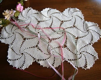 Hand Crocheted Vintage Doily in a Pinwheel Design, Handmade Doily, Off-White Placemat, Table Topper, Dresser Scarf