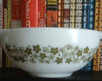 PYREX Spring Blossom Green, Cinderella Bowl, 443, 2 1/2 Quart,  Replacement, 1972 to 1978