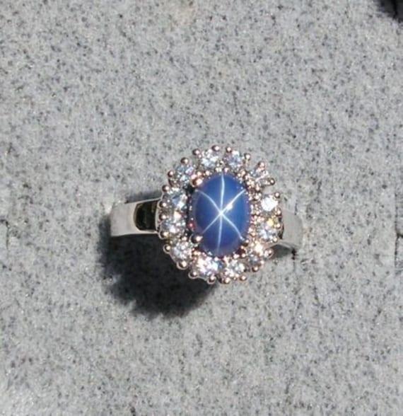 Vintage Unsigned Linde Lindy 8x6mm Cornflower Blue Star