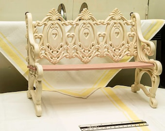 Mid Century Burwood Products Park Bench Wall Shelf, Shabby Chic, Molded Plastic, Home Interiors, Ivory White with Pink/Mauve Accent