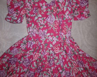 Vintage Laura Ashley pink cotton floral print dress w puff sleeves, full skirt, v neck, ladies' size 8