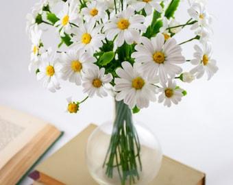 Daisy bouquet of flowers Flower arrangements White flower centerpieces Fake flowers Faux flowers Artificial flowers Summer floral home decor