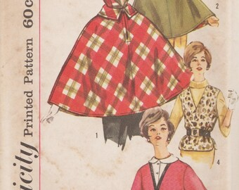 Simplicity 4075 / Vintage 60s Sewing Pattern / Cape Capelet / Size 14 Bust 34