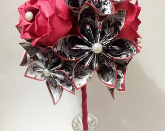 Comic Books & Roses Dozen- Paper Flower Bouquet, Perfect for her, Geek Chic, 1st anniversary gift, one of a kind paper flowers, alternative