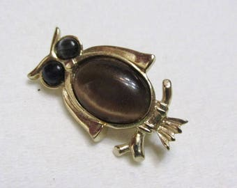 vintage cats eye cabochons owl brooch pin. free ship