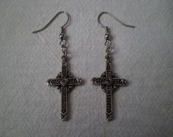 Charm Earring - Cross