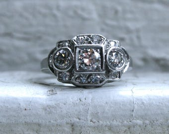Lovely Art Deco Platinum Diamond Ring Engagement Ring - 0.95ct.