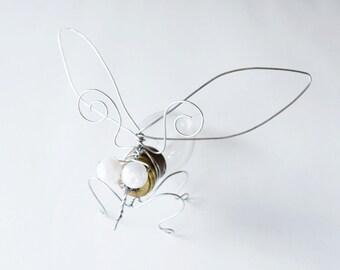 Recycled Light Bulb Bug