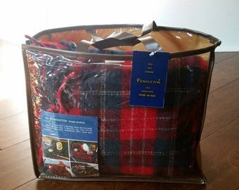 Vintage PENDLETON Blanket Robe In A Bag Red Green 100% Wool Highland 52 x 70 Stadium Throw Fringe With Bag and Tag