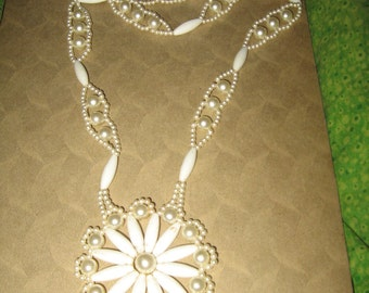 Funky 60s Handmade crochet  white 60s    faux pearls large flower  pendant necklace