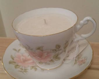 Vintage tea cup candle.Scented organic soy wax.Vintage bone china cup.Homemade.Fresh linen fragrance.Unique mothers day /birthday gift.