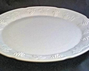 FREE SHIPPING Milk Glass Cake/Torte Plate Colony Harvest Grape Pattern by Indiana Glass