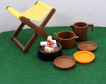 Big Jims Sports Camper Camp Stool Dishes Fire pit 1970s Mattel Action Figure Accessories *
