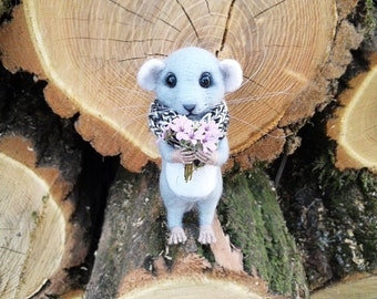 Needle felted mouse,Felt mouse, Gray mouse, Wool animal sculpture, Miniature animal, Home decor, Soft sculpture, Eco toy, Gift