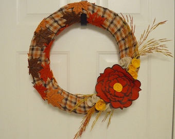 Plaid Fall Leaf Wreath / Autumn Wreath / Felt Flowers / Fall Decor / Entry Way Decor / Thanksgiving Wreath / Felt Wreath / Felt Fall Leaves