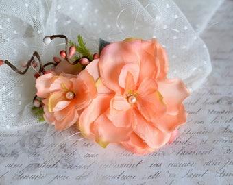 Coral bridal hair flower, Coral wedding hair flower, Coral hair clip, Beach wedding flower, Blush hair clip, Romantic hair clip, Bridal pin