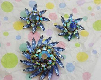 Judy Lee Contessa Brooch and  Clip earrings Retro Colorful Carnival Blues