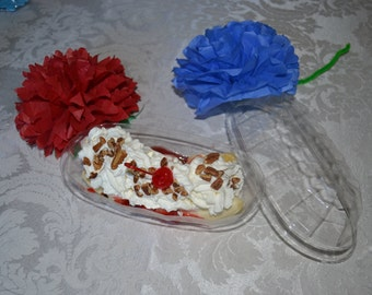 24 Clear Banana Split Carry Out Containers with lids with napkins & ice cream spoons/Food Container/Banana Split Boat/Banana Boats