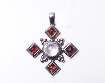 925 Sterling Silver Maltese cross with stone
