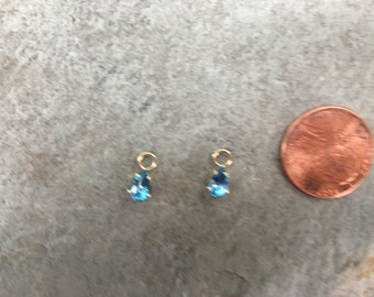 Vintage Estate 14 KT Yellow Gold Genuine Blue Topaz Pear Shaped Faceted Earring Charms Add To hoops Interchangeable
