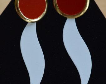 Funky Vintage Red, White Enamel Pierced Earrings, Gold tone, Retro (V7)