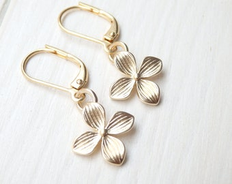 Gold Flower Earrings - Minimalist Earrings