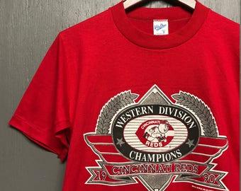 S vintage 1990 Cincinnati Reds t shirt