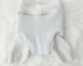 SMALL - Ivory Cashmere Shorties