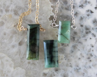 Emerald Necklace, Emerald Stick necklace, May Birthstone, Gemstone Dainty Necklace, Green Necklace
