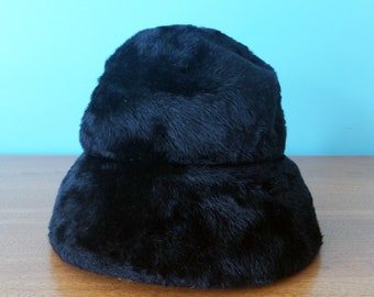 Vintage black fur cloche style hat by Invicta made in Italy