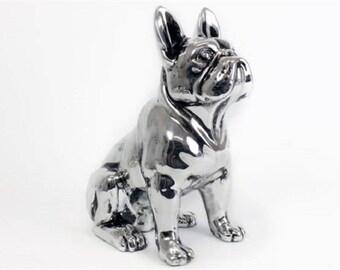 Grande Statue de chien Bouledogue Français en céramique, position assise, hauteur 32 centimètres. Modèle argenté