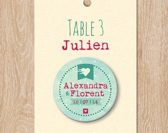 Escort cards badge coeur et pois personnalisable 38 mm invités mariage