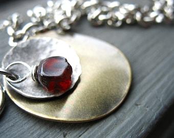 Collier grenat, grenat ferronnerie Pierre collier, pendentif fait à la main Collier Necklace