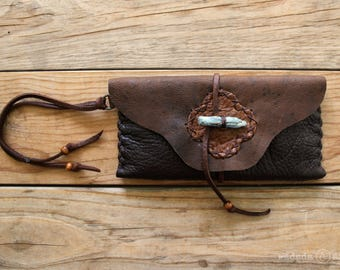 Deerskin Leather Smartphone Clutch Wristlet Pouch with Raw Blue Kyanite Crystal Toggle