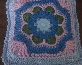 "Pincushion ""Damascus"" in Croche, measurement: 10 x 10 cm aprox"