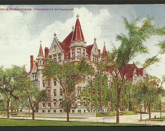 Vintage Postcard - Woman's Dormitories  University Of Chicago in Illinois  (1559)