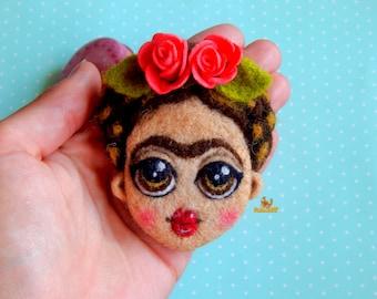 Frida Kahlo Brooch, felt brooch, needle felted drooch, jewelry brooch, Frida Kahlo Jewelry, Feminist Icon Brooch, Mexican Artist Brooch,