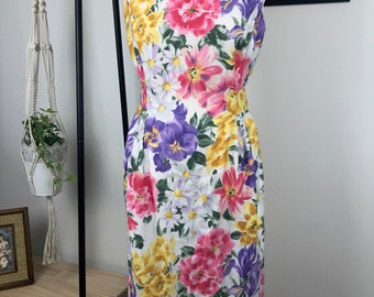 Vintage floral dress / gown was sleeveless / vintage women clothing
