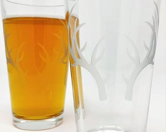 Antlers Pint Glasses Engraved 16 oz Beer Glass Wedding Party Gifts Personalized Party Favors Barware