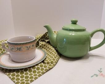 Teapot - Lime Green Porcelain Teapot - 4-Cup Teapot - Old Amsterdam Porcelain Works No. 1701