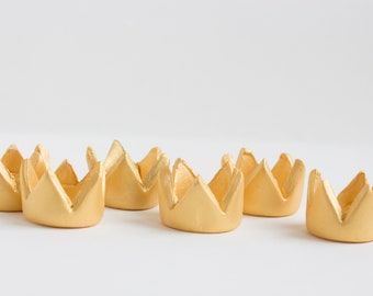 Fondant Gold crown Cupcake Toppers, Crown toppers, Fondant crown, Cupcake crown topper- Set of 6
