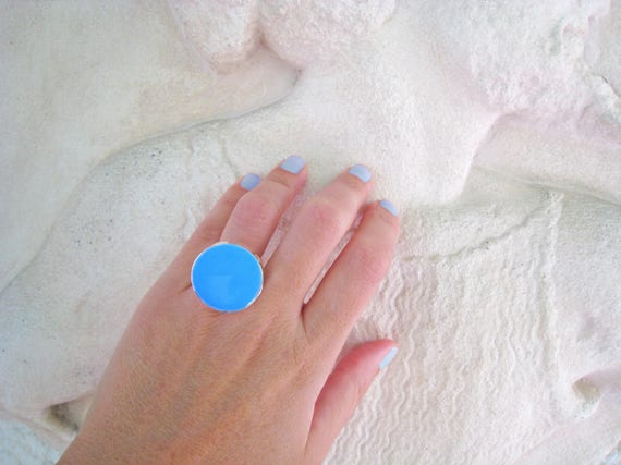 Turquoise blue ring, turquoise resin ring, aquamarine cyan light blue ring, modern minimalist round big chunky ring, color block jewelry
