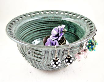 Ceramic jewelry bowl, Pottery earring holder, handmade Jewelry holder in dark  green - In stock