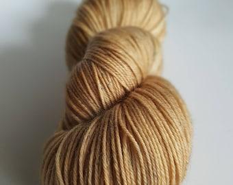 Superwash Merino skein - Fingering - hand - dyed colors Muadd'hib