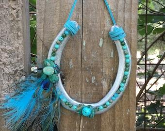 Lucky feather sparkle horseshoe