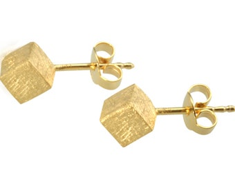 Silver ear studs - handmade cubes 6 mm (925 Sterling Silver) matted, goldplated