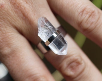Raw Quartz Ring, Raw Crystal Ring, Quartz Point Ring, Protection Stone, Bohemian Jewelry, Festival, Rough Quartz Ring, Adjustable