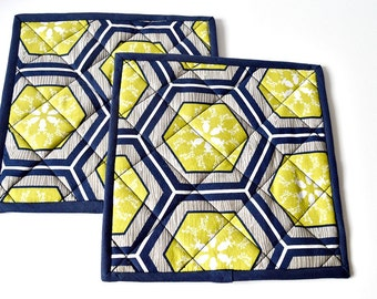 Pot Holders/Pair/Quilted/Mats/Navy Kitchen